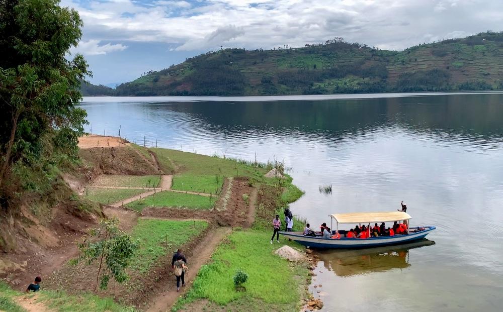 MUSANZE - LAKE BURERA SOUTHERN SHORE